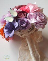 buchet de mireasa cu note muzicale flori din hartie in culori de toamna