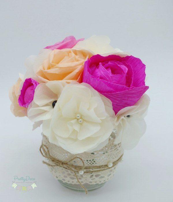 Aranjamente Florale Din Hartie Cu Borcane Rustice Decorate Cu Dantela